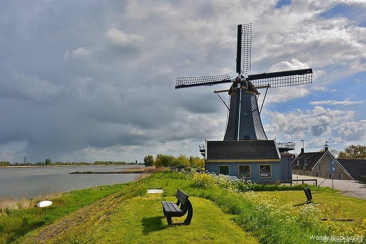 rt-mauricekruk-wandelbankjes-molen-de-liefde-nieuwe-veer-streefkerk-alblasserwaard-landschap-molens-demolens-httpst-colui1k2t