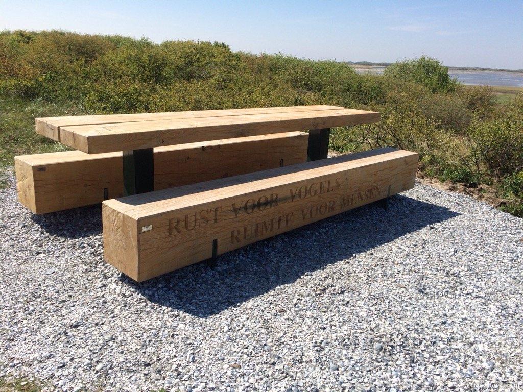 rt-benvanvliet-enjoy-on-vlieland-to-Kroon's polder-rest-of-birds-space-for-people-walking benches-wolf walking plan httpst co
