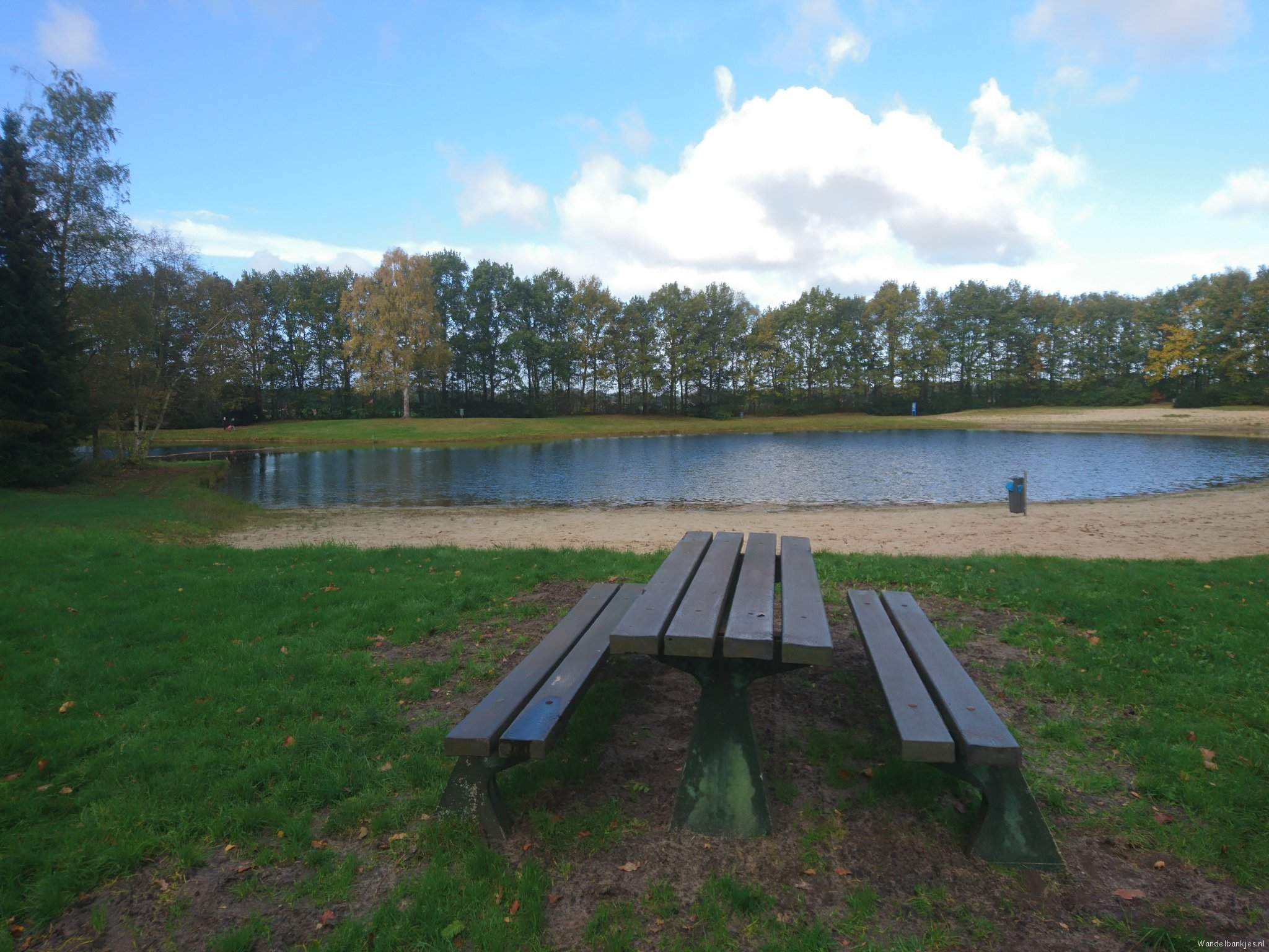 rt-walburgism-walking-benches-this-state-at-recreation lake-bellingwolde-in-the-beautiful-zone-westerwolde-by-noaberpad-httpst-coa
