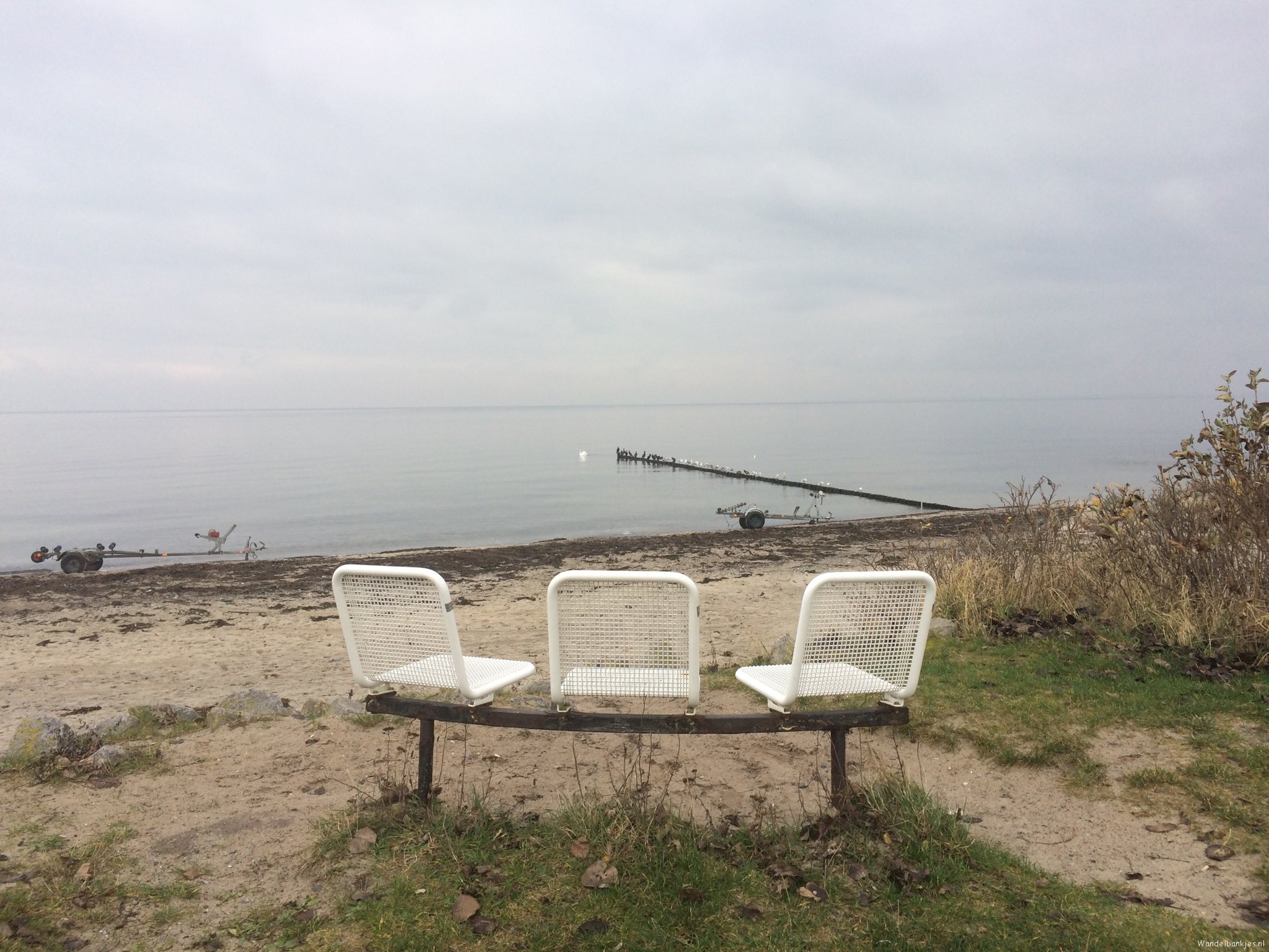 rt-alootsma-beautiful-hiking-benches-at-boltenhagen-with-a-mirror-smooth-sea-https-t-co-7d6rw38siu