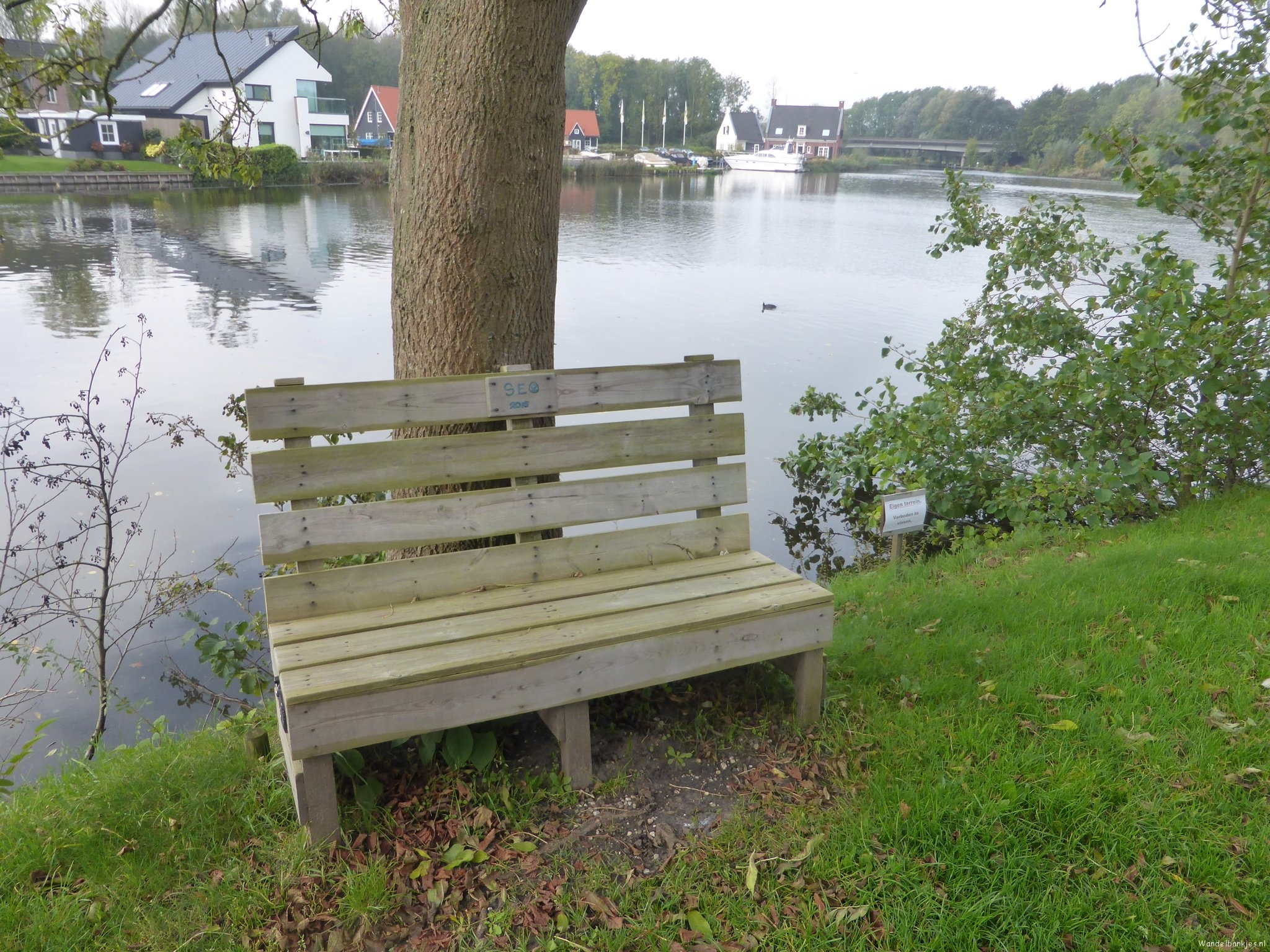 rt-willemwandelt-thenetherlands-utrecht-maarssen-oudzuilen-fight-walking-bench-utrechtpad-walking-benches-https-t-co-3f22kq3tq5