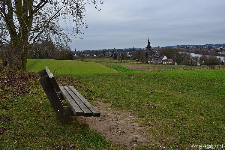rt-mauricstool-hiking-benches-st-pietersberg-mesh-maastricht-l-https-t-co-dmn7lxyjwk
