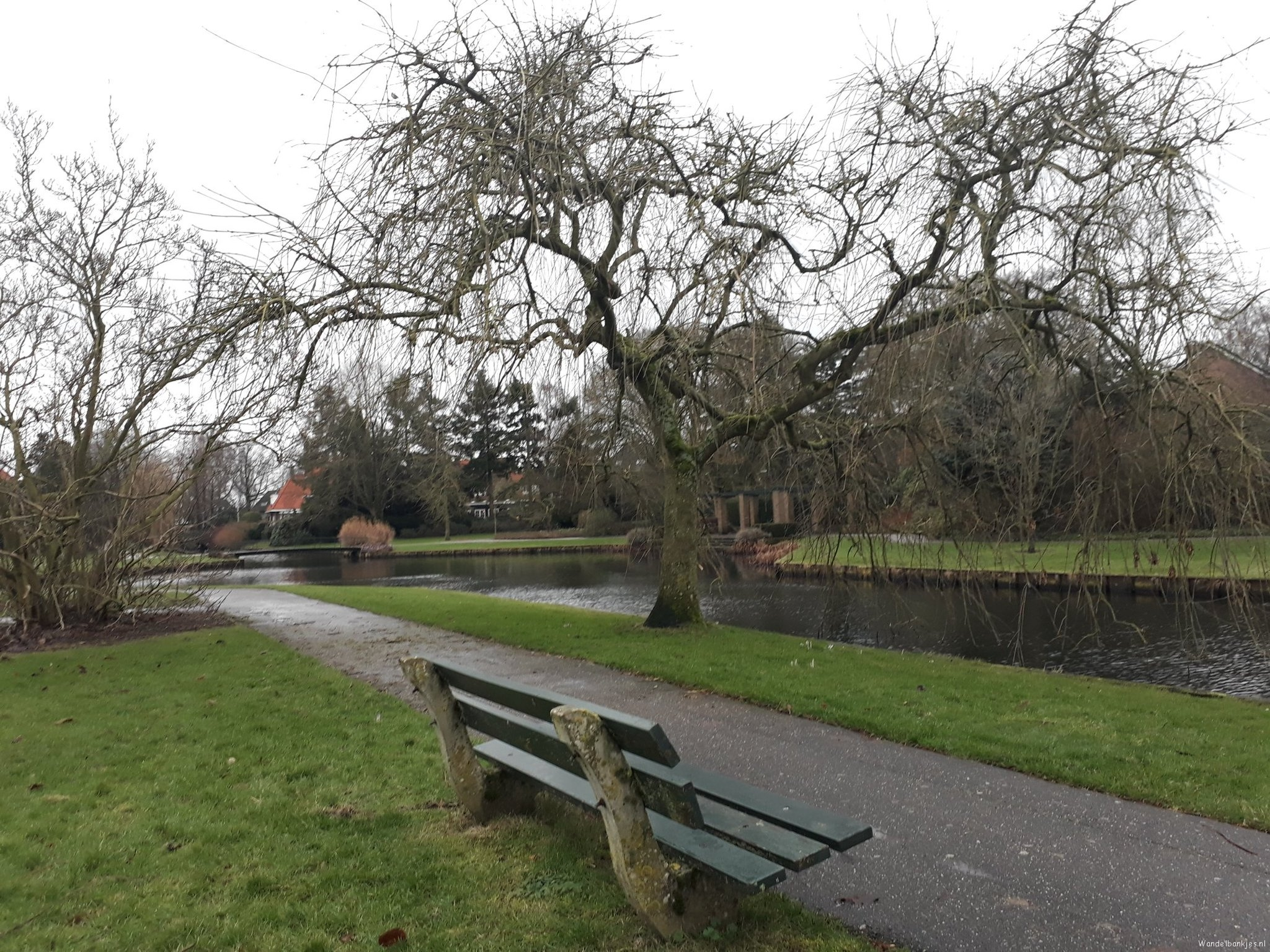 rt-wendelavanbeek-walkersbenches-walking-benches-beautiful-place-in-bilderdijkpark-in-bussum-throw-lakes-https-t-co-s0hbguvyvt
