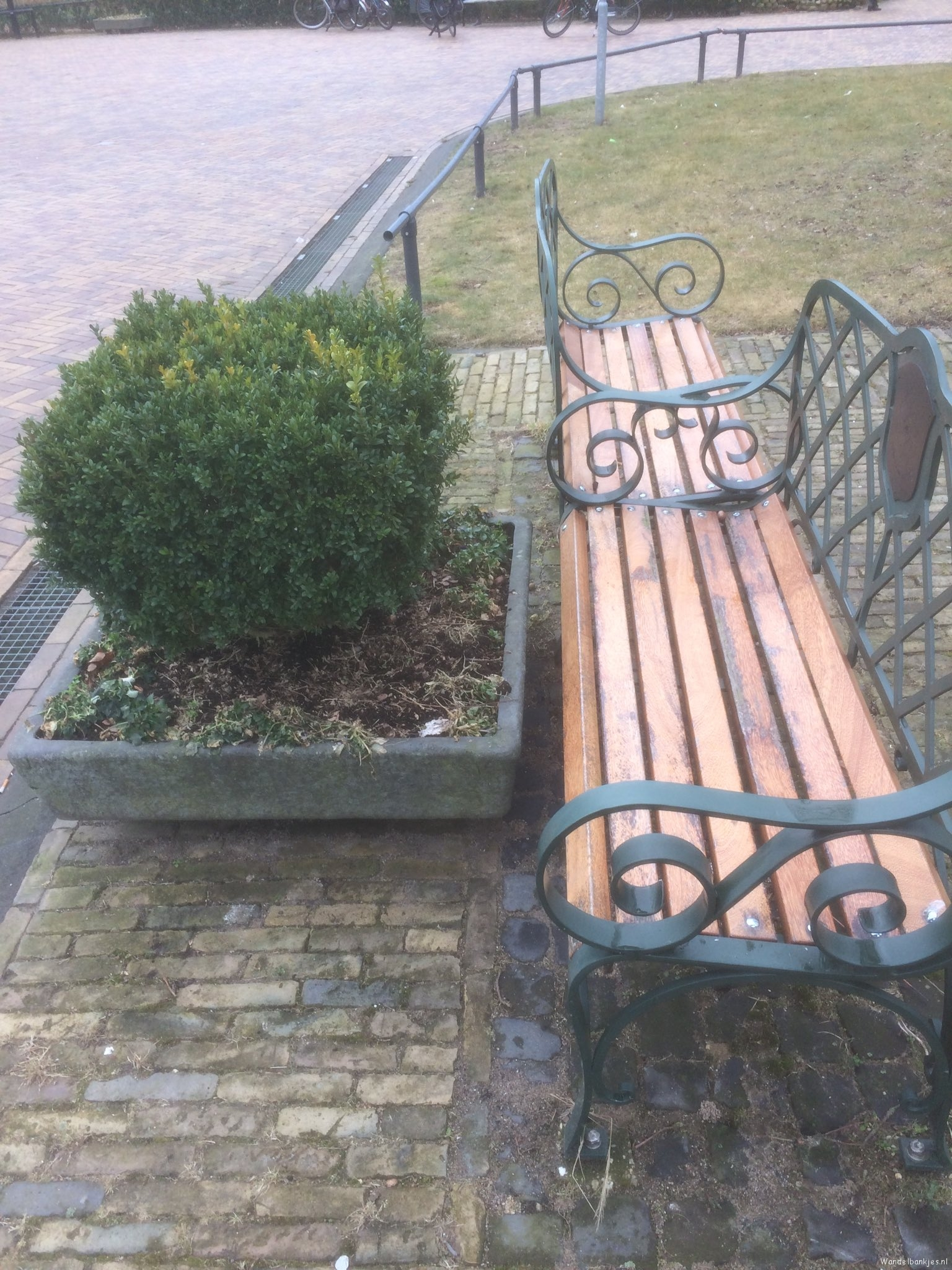 rt-femkenijveldt-and-so-says-the-municipality-there-must-the-flower-box-hinges-walking-benches-https-t-co-lontlti0e7