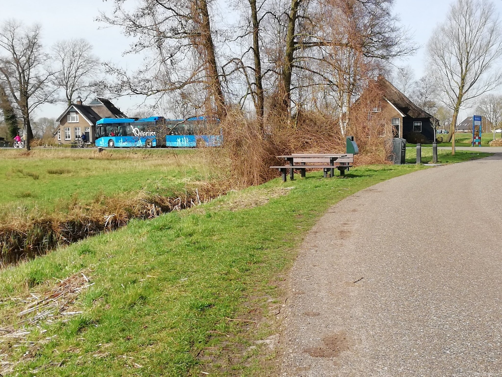 rt-walburgism-a-picnic-bench-to-the-auken-giethoorn-well-accessible-with-ov-walking-benches-https-t-co-f5ivxffsut