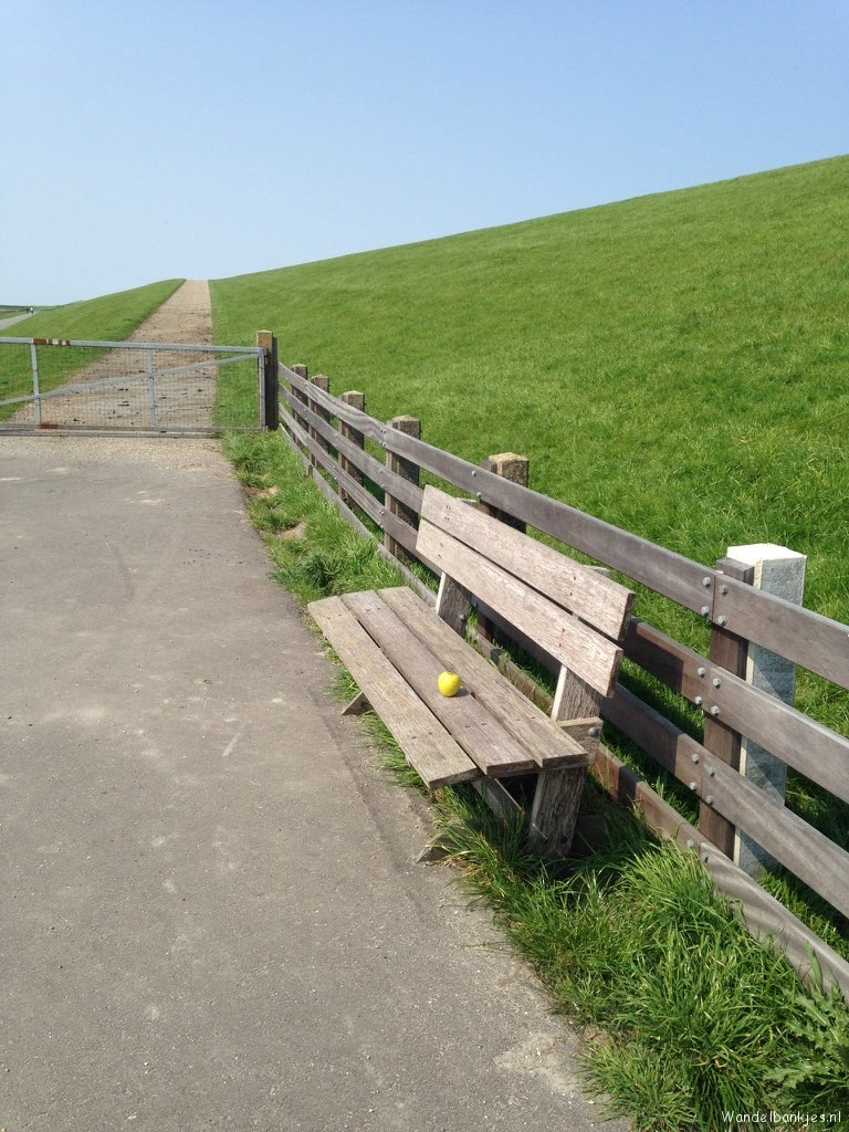rt-martenvdmolen-walk-bench-with-apple-at-oldbildtree-friesland-on-the-dike-of-the-wadden coast-walking-benches-https-t-co-zq1bpv