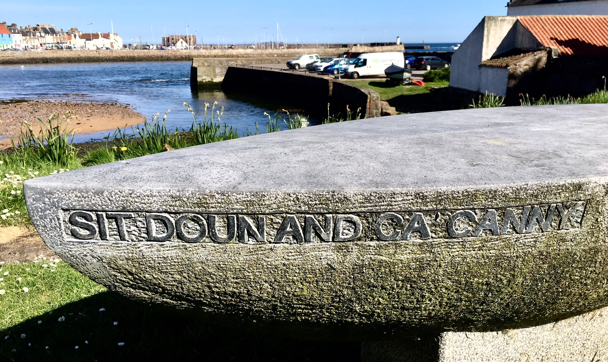 rt-slaletter-hand-carved-bench-anstruther-graveyard-walkersbenches-sit-doun-and-cacanny-always-good-advice-https-t-co-4fzmrevy9l