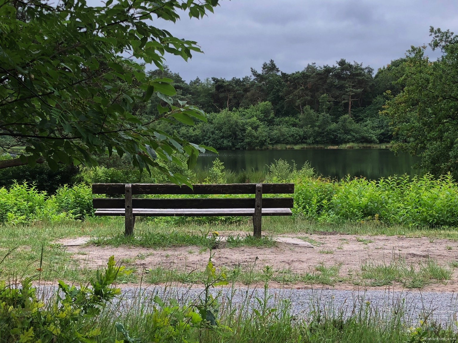 rt-gertientje-dit-wandelbankje-benches-a-very-nice-place-in-uffelte-drenthe-https-t-co-aanipowqyi