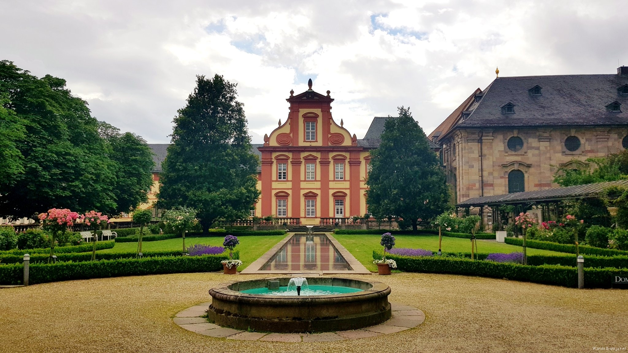 rt-wolfswandelplan-dommuseum-in-fulda-walking-benches-https-t-co-1mr8mmplfb