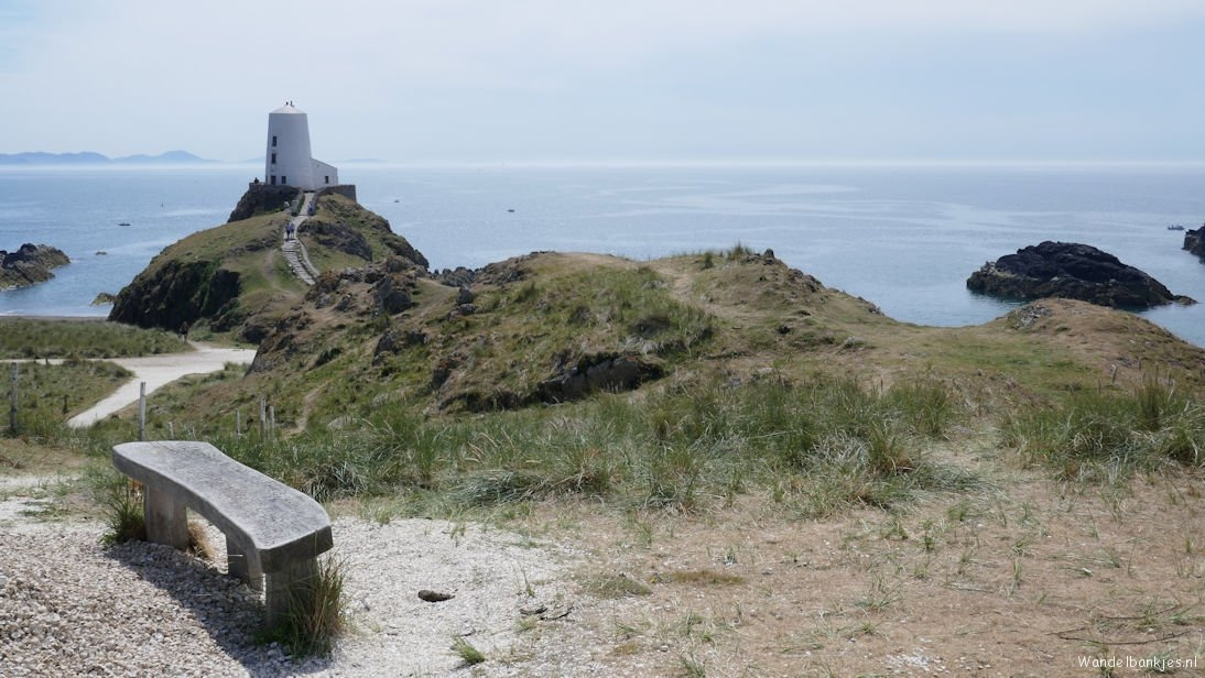 rt-femkenijveldt-wandelbankje-met-uitzicht-bench-with-a-view-ynysllanddwyn-anglesey-wandelbankjes-walkersbenches-https-t-co-hju4pk