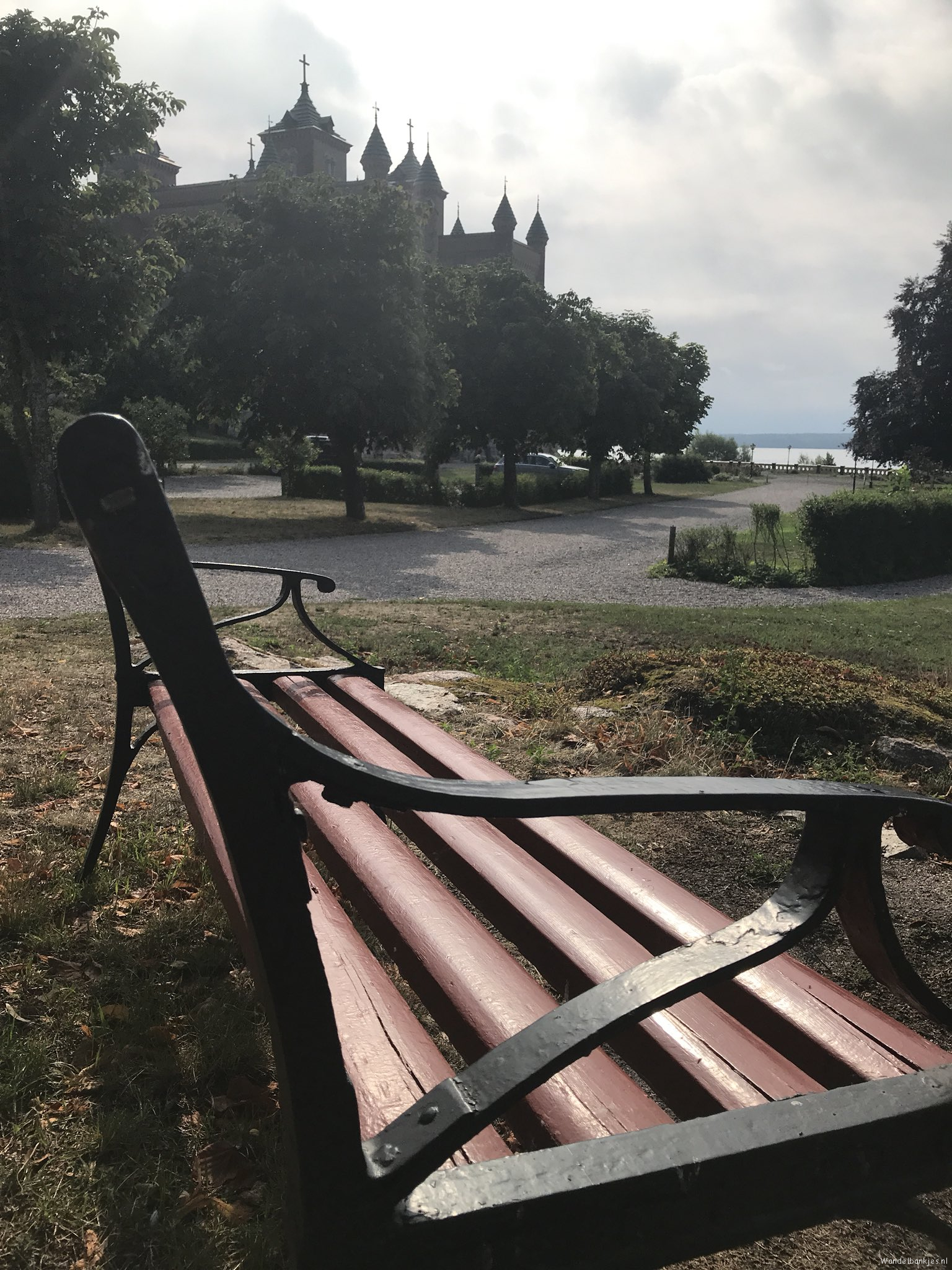 rt-dujo070-walking-benches-walkersbenches-a-walking-bench-at-a-special-lock-stora-sundby-sweden-https-t-co-cypcfa8klh