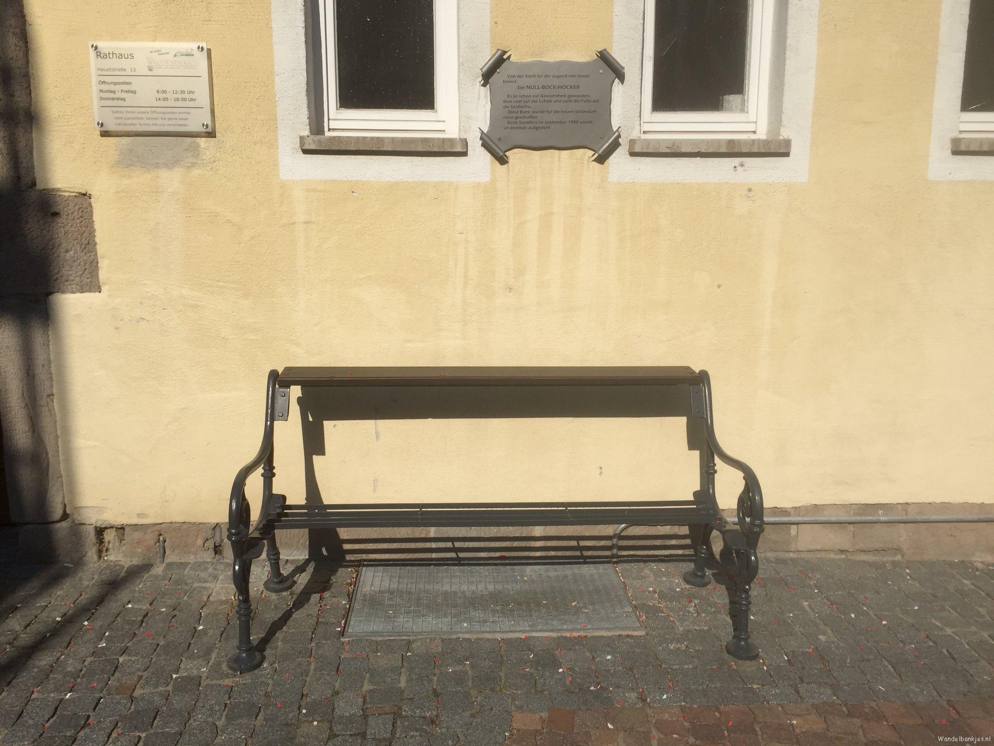 rt-gerritjhkuiper-een-bijzonder-wandelbankjes-in-waldenburg-op-de-bovenste-plank-zitten-uitkomst-voor-de-jeugd-https-t-co-2tdt3j