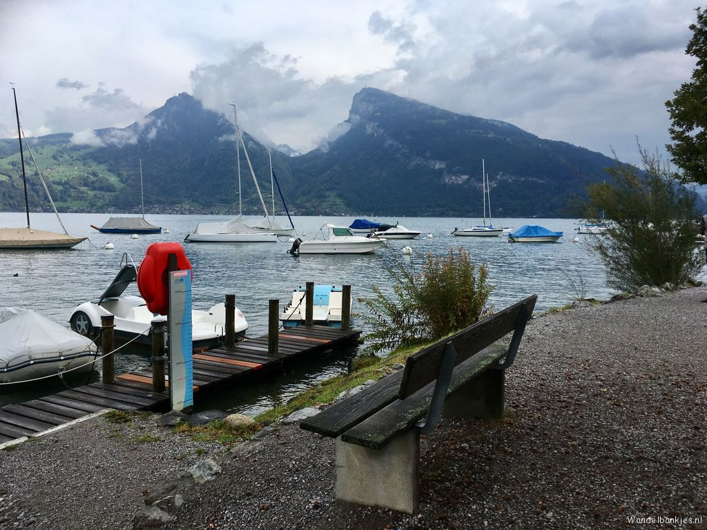 rt-huusgstaadhotel-walking-benches-what-a-view-of-the-lake-of-thun-switzerland-https-t-co-hux8zn7nsj