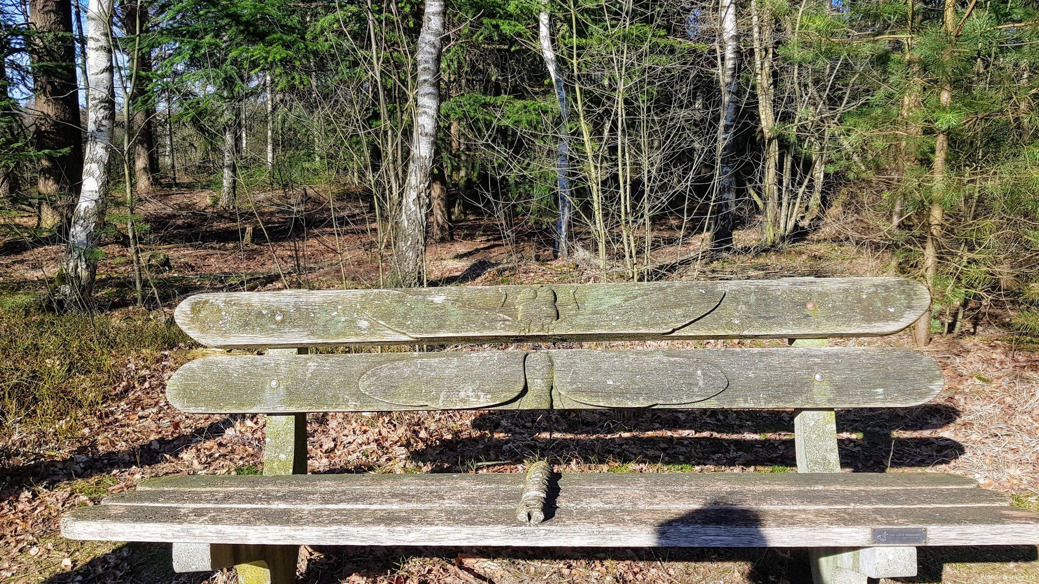 rt-wolfswandelplan-libellebankje-op-landgoed-leusveld-wandelbankjes-brummen-https-t-co-djhrsev0j8