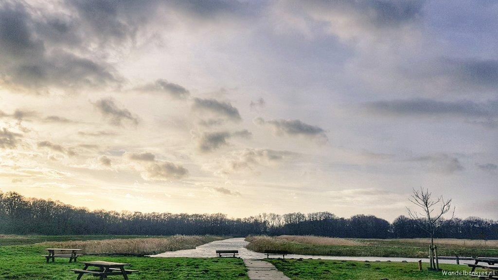 rt-wolfswandelplan-aan-de-rand-van-naardermeer-bij-stadzigt-en-muggenbult-wandelbankjes-https-t-co-uomm6riaud