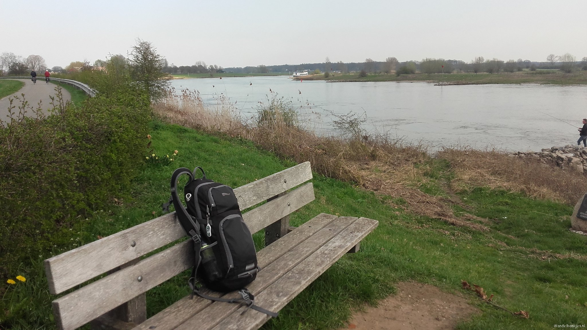 rt-p_scheltinga-walking-benches-to-the-ijssel-in-deb-neighborhood-of-bussloo-https-t-co-ezjoyfiqxn