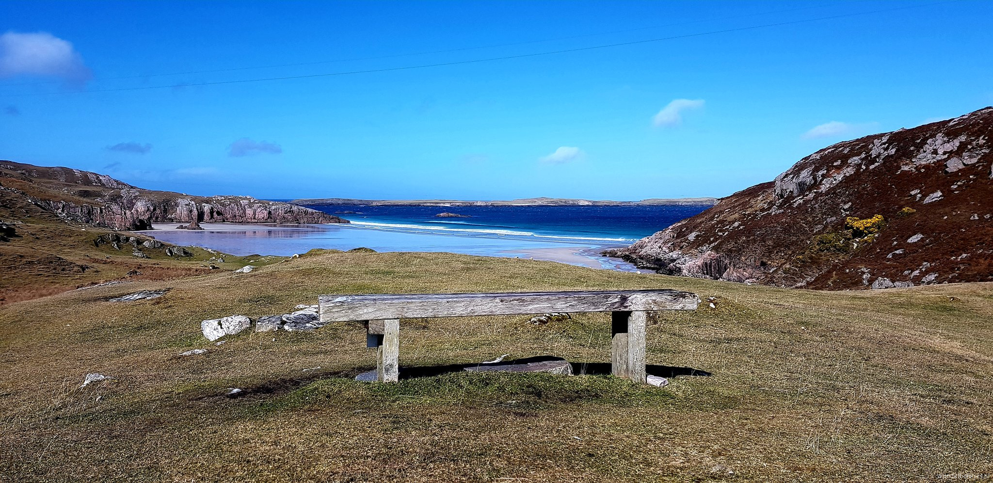 rt-hansterheijne-wat-een-fantastische-view-durness-scotlandwandelbankjes-walkersbenches-myfavebench-https-t-co-6ntdut9mkb