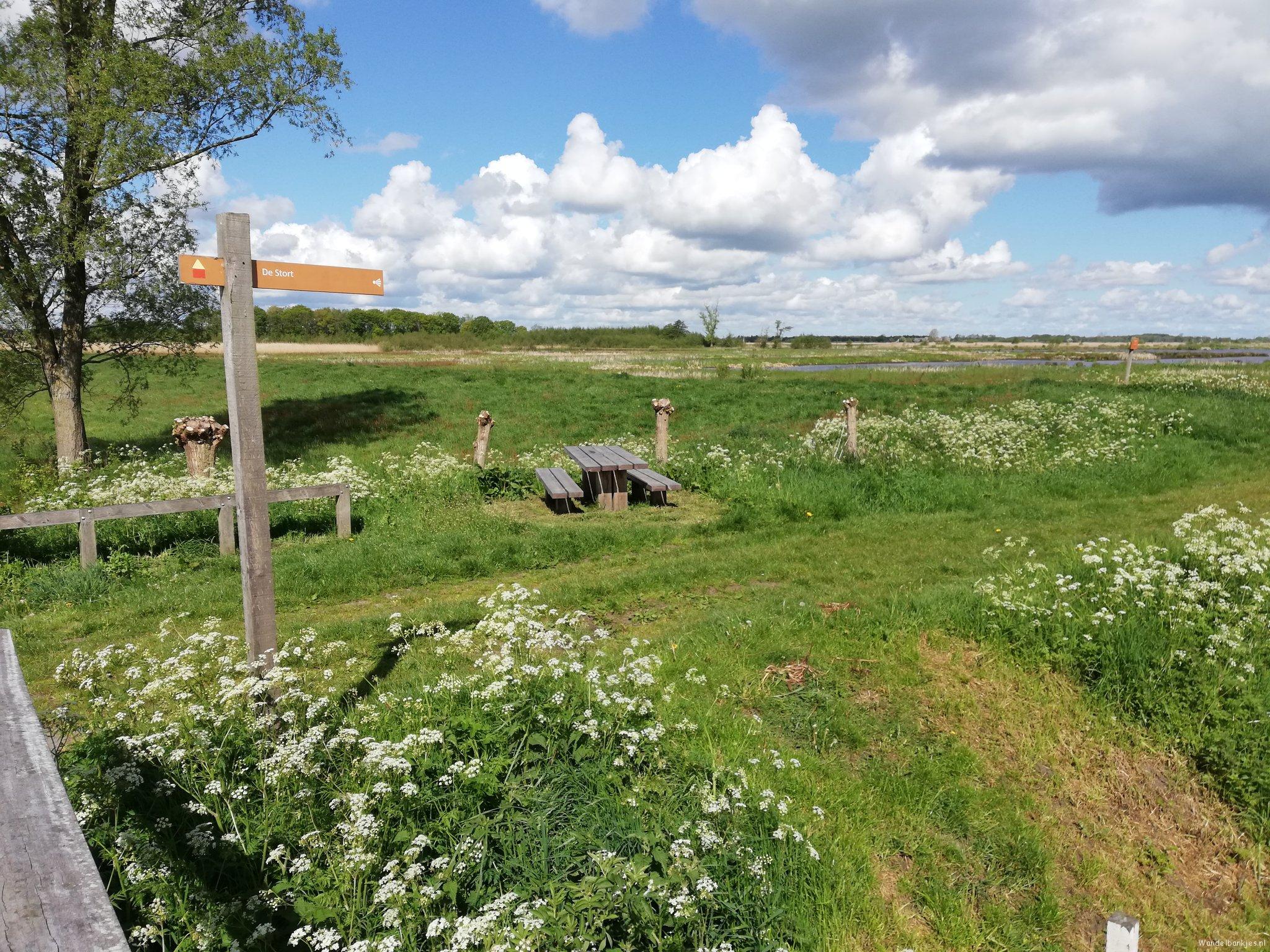 rt-walburgism-onlanden-nabij-rodergemaaldrenthepad-wandelbankjes-wandel_nl-wandelnet-wandelzoek-rodergemaal-https-t-co-2eha5o3s1s