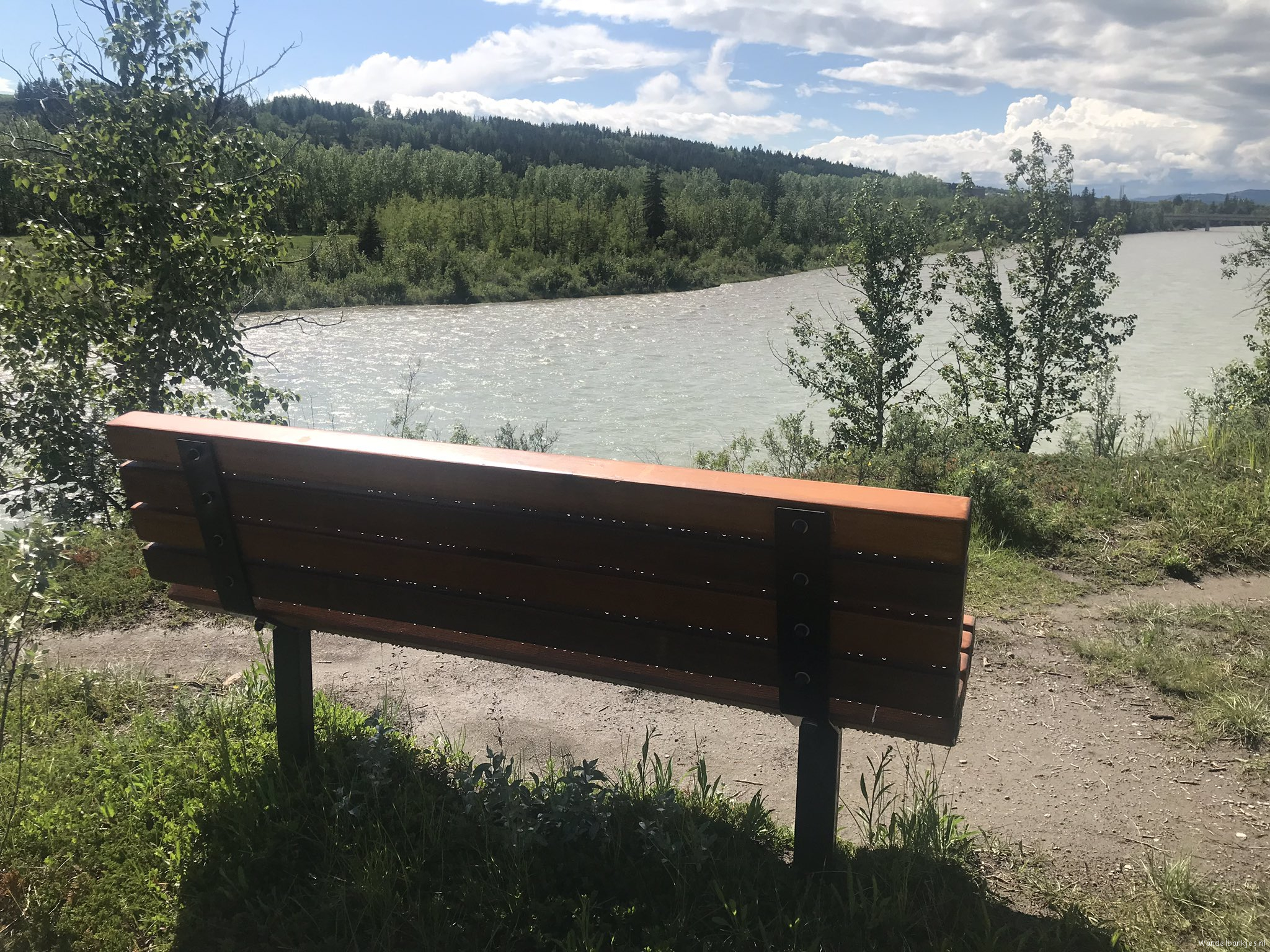 rt-peterboomsma-voor-wandelbankjes-aan-de-wild-stromende-river-bow-in-canada-cochrane-alberta-https-t-co-iukpqip6mg