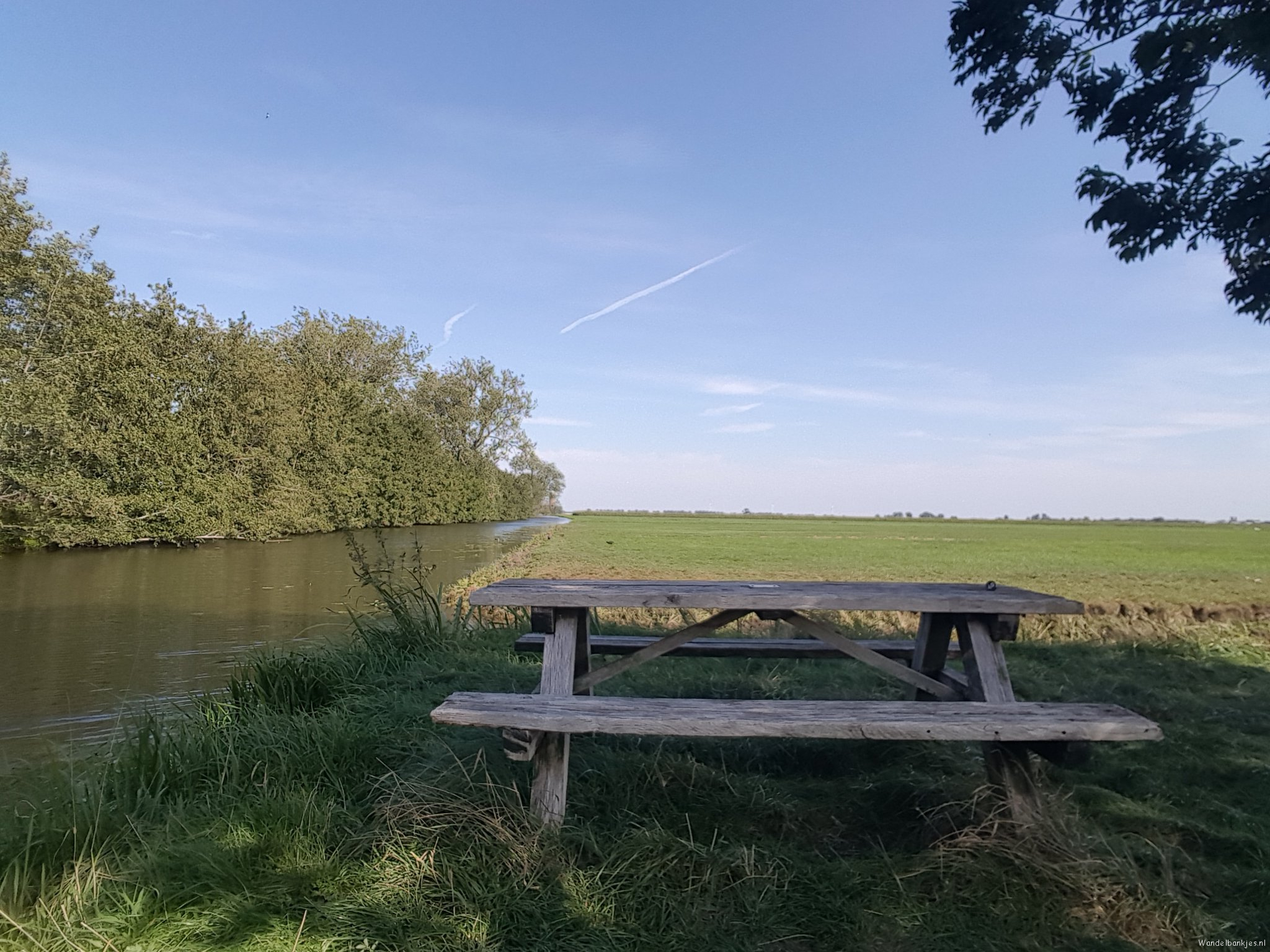 rt-groenhartstoc1-walking benches-along-the-landing-churchpath-between-cabauw-poksbroek-https-t-co-qpaz7zdbyw