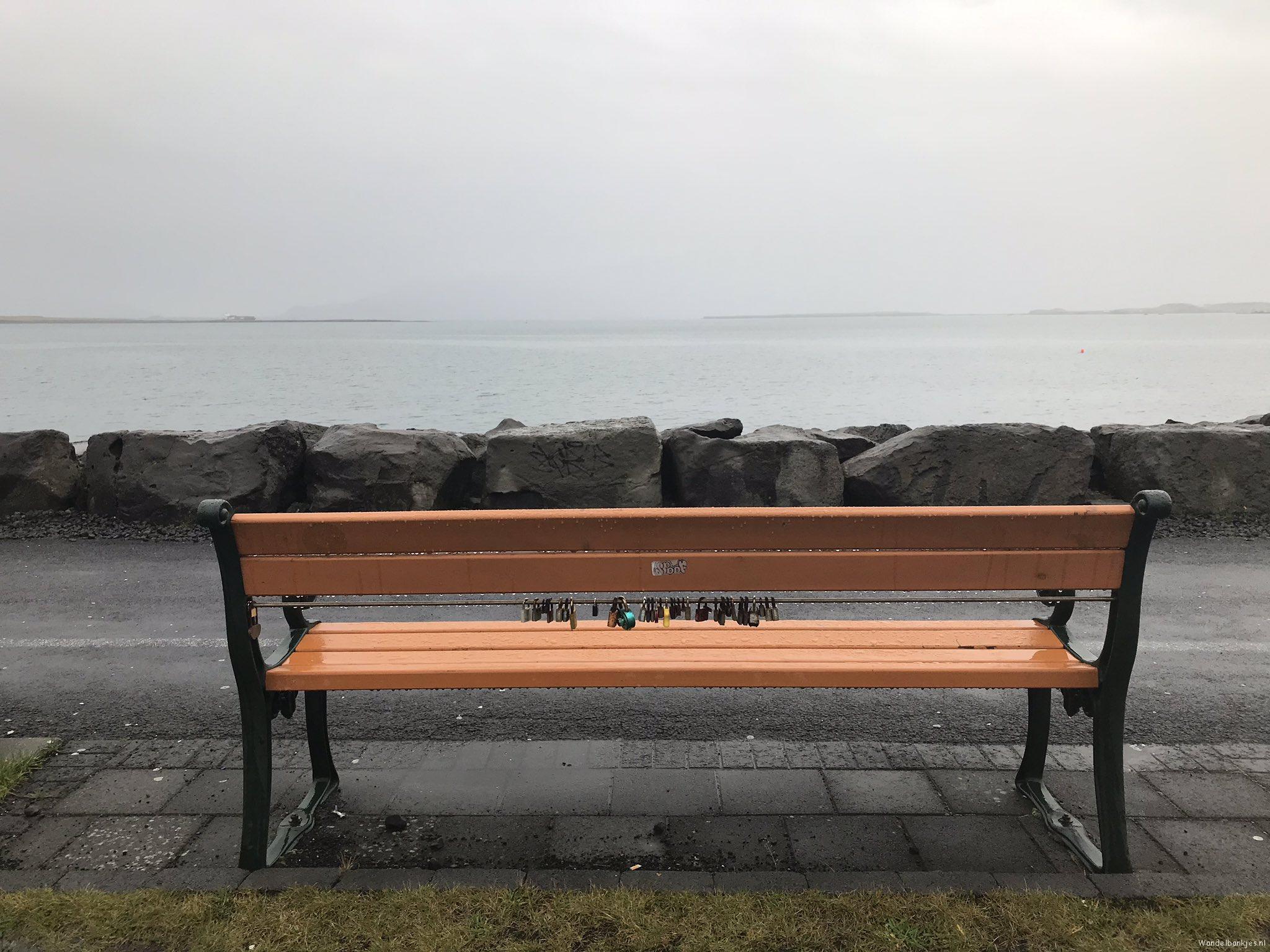 rt-waandersr-wandelbankjes-haven-reykjavik-https-t-co-sibjaxjcud