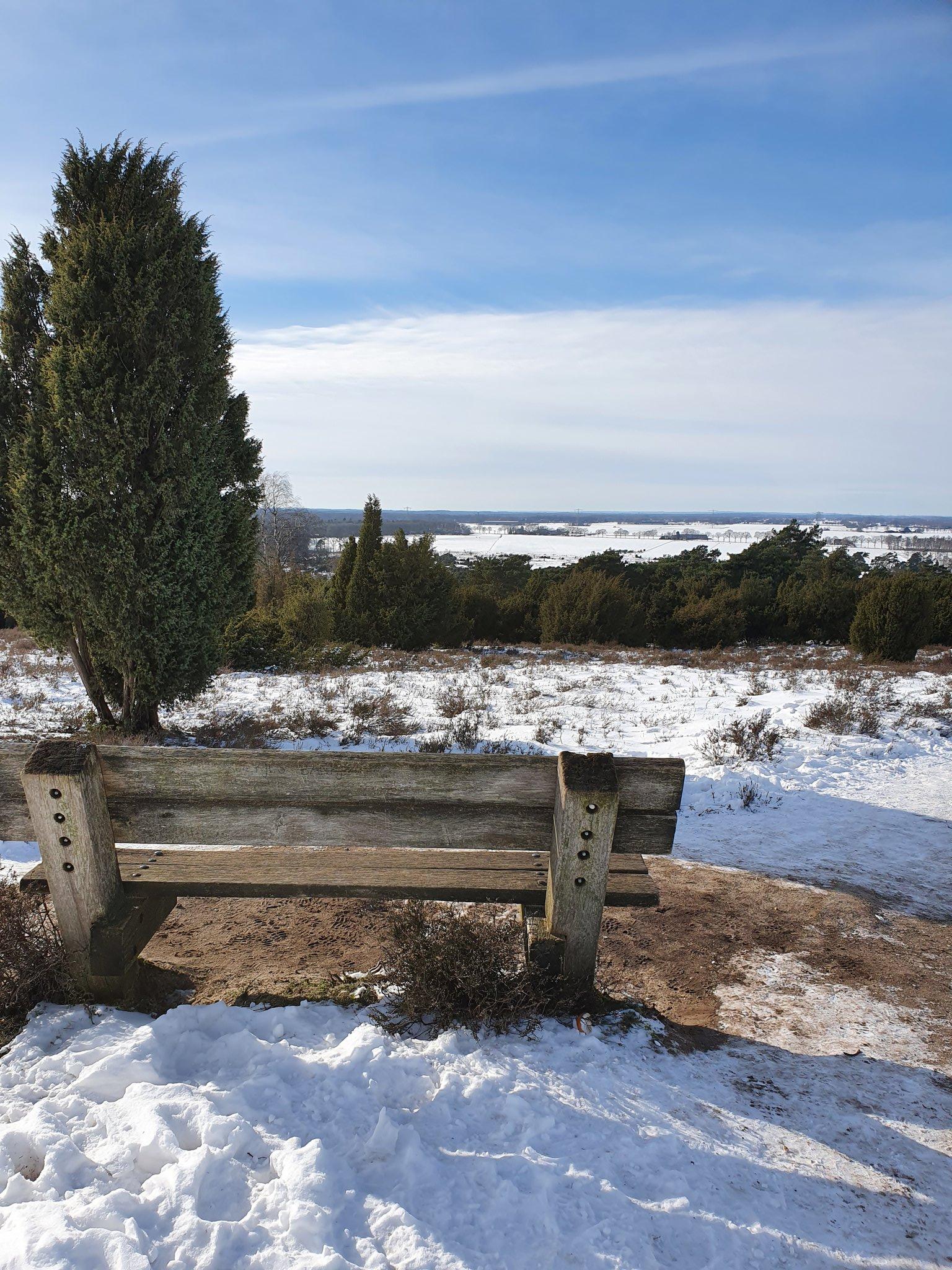 rt-simmajalis-lemele-sneeuwpret-wandelbankjes-zo-mooi-in-de-sneeuw-wandelen-oostenrijk-zwitserland-gevoel-https-t-co-ueqylot1if