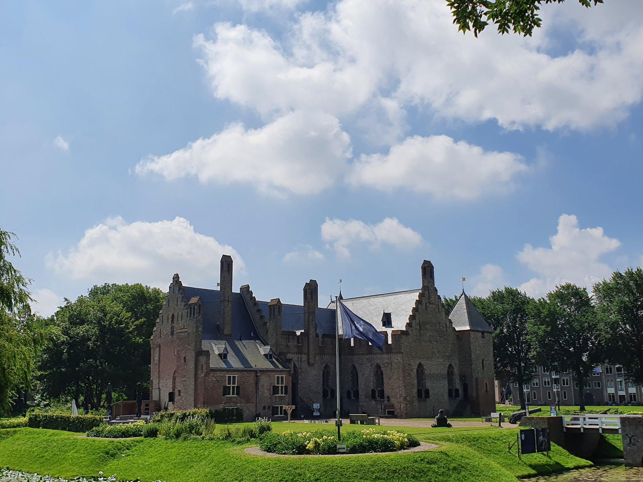 rt-wolfswandelplan-kasteel-radboud-un-medemblik-wandelbankjes-https-t-co-znd4ebm6l3