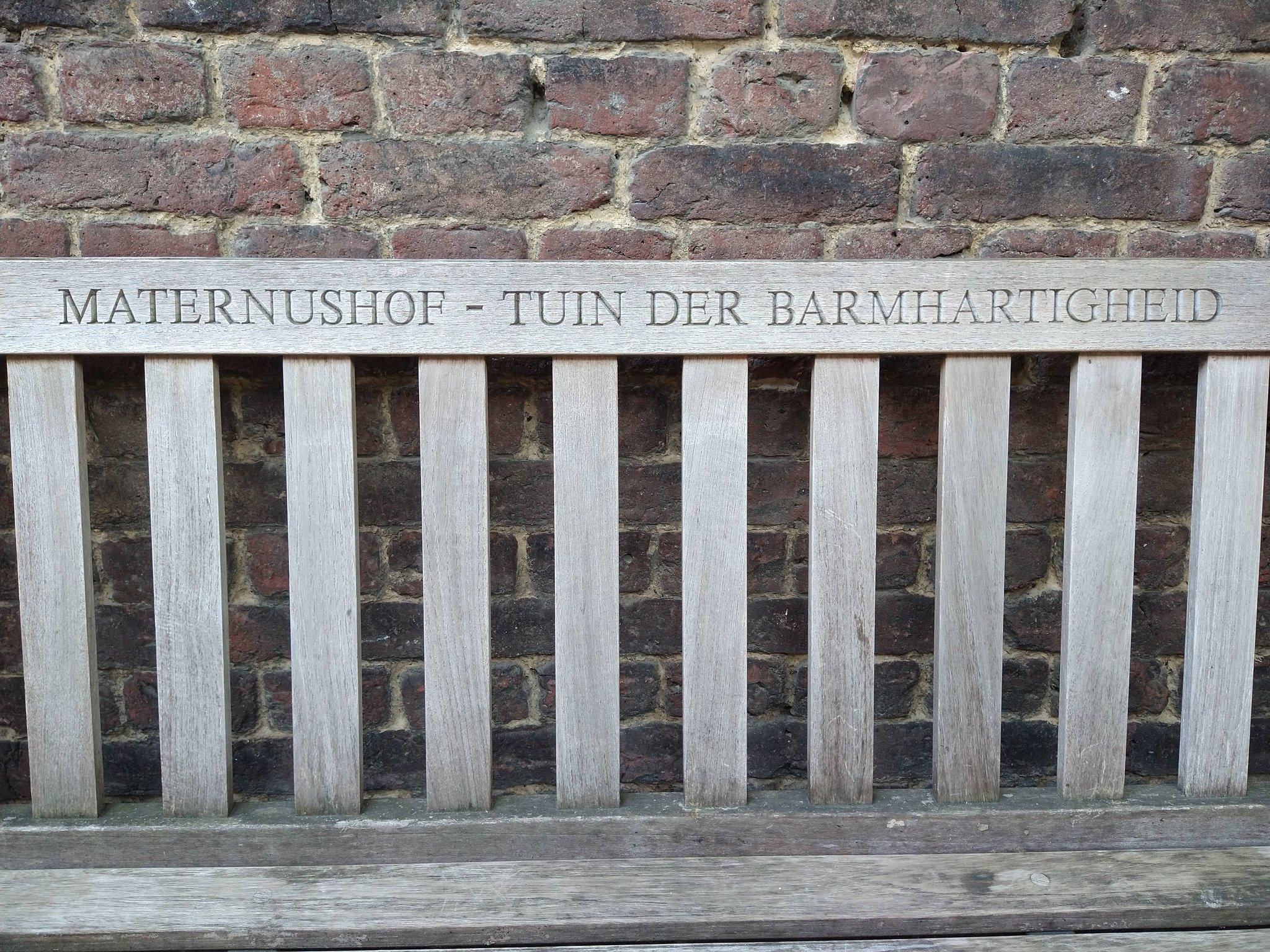 rt-willemwandelt-in-maastricht-maternushof-tuin-der-barmhartigheid-wandelbankjeswandelbankjes-uitmaastricht-basiliekm-https